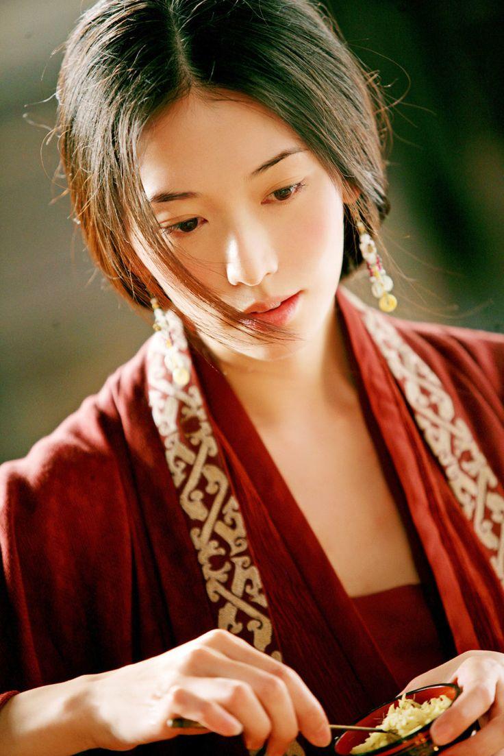 映画『レッドクリフ』に出演した「林志玲」さん。読みは「リン・チーリン」さん。