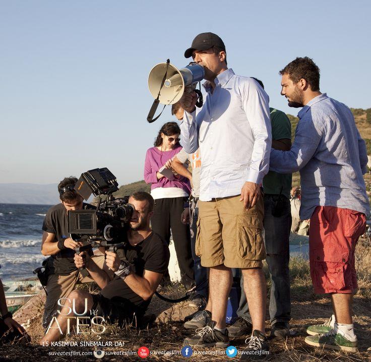 - @Özcan Deniz 'in Hem Senarist,Hem Yönetmen,Hemde başrol oyunculuğunu yaptığı, @Sue Randall ve Ateş 15 Kasım'da Sinemalarda!