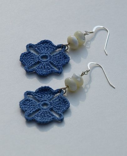 http://crochet.craftgossip.com/files/2010/06/cro-blue-nova-earrings-0601.jpg
