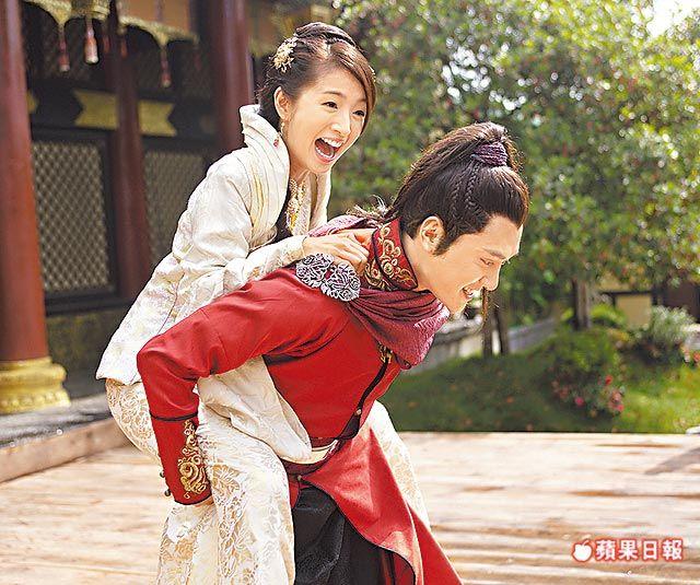 Prince of Lan Ling (兰陵王) 2013 #Cdrama. Ariel Lin as Yang Xue Wu and Feng Shao Feng as Lan Ling Wang. Sweet love moment