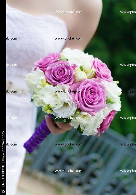 http://www.photaki.com/picture-wedding-bouquet-flowers_1038318.htm