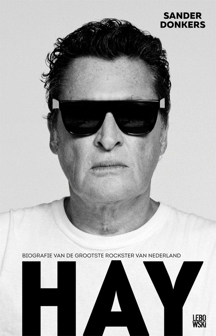 Gevonden via Boogsy: #ebook Hay van Sander Donkers (vanaf € 9,99; ISBN 9789048831593). Barry Hay, leadzanger van de grootste rock-'n-rollband van Nederland: The Golden Earring. Zevenenzestig jaar, maar aan star quality nog geen gebrek. Superfit, karakteristieke kop met zonnebril, pikzwart haar en een stem die al vijftig jaar massa's in beweging brengt. In Hay vertelt hij openhartig over zijn leven in en buiten de spotlights, over zijn roerige jeugd, familie, zijn band met... [lees verder]