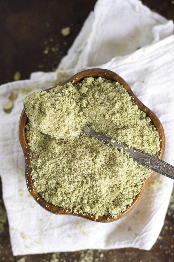 Pumpkin Seed Flour (an alternative to Almond Flour) | http://www.worthcooking.net/pumpkin-seed-flour-alternative-almond-flour/