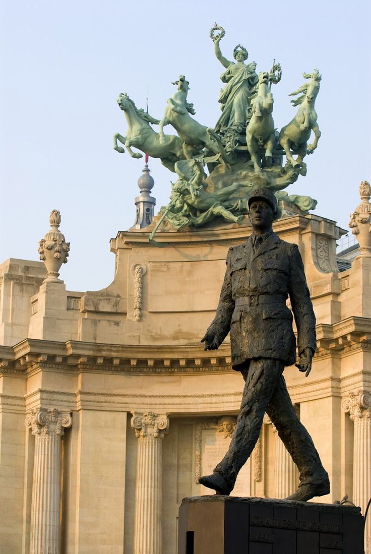 De Gaulle monument in front of the Grand Palais