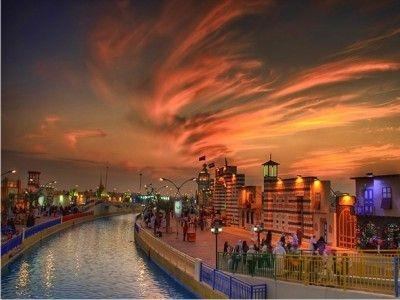 Ελάτε να ταξιδέψουμε μαζί στο γοητευτικό Ντουμπάι.Με τις  μεγάλες παραλίες,τις σύγχρονες ανέσεις δυτικού τύπου και άλλα πολλά σε συνδυασμό με τον αραβικό πολιτισμό που το κάνουν να ξεχωρίζει!