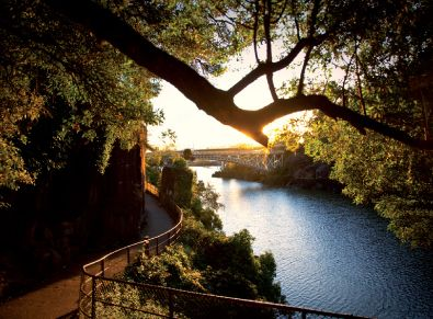 Launceston Tamar Valley - Tasmania - Official Website for the Launceston Travel and Information Centre. Click Here to Book Your Launceston ACCOMMODATION and TOURS! Launceston Hotels, Tours, Events