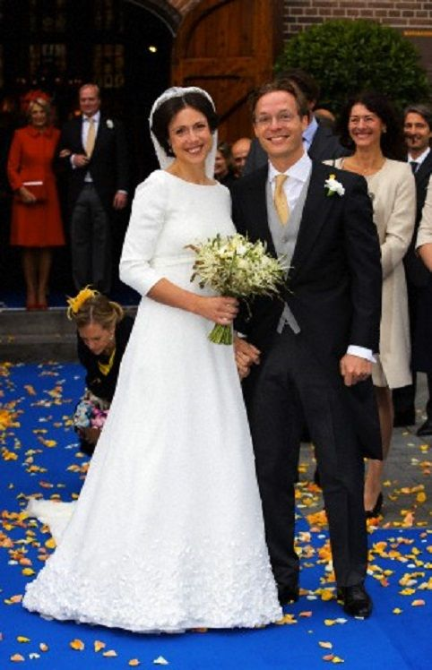 Just married: Prince Jaime and Princess Viktoria de Bourbon-Parma leave the Church Onze Lieve Vrouwe ten Hemelopneming in Apeldoorn after their wedding, 05.10.13.