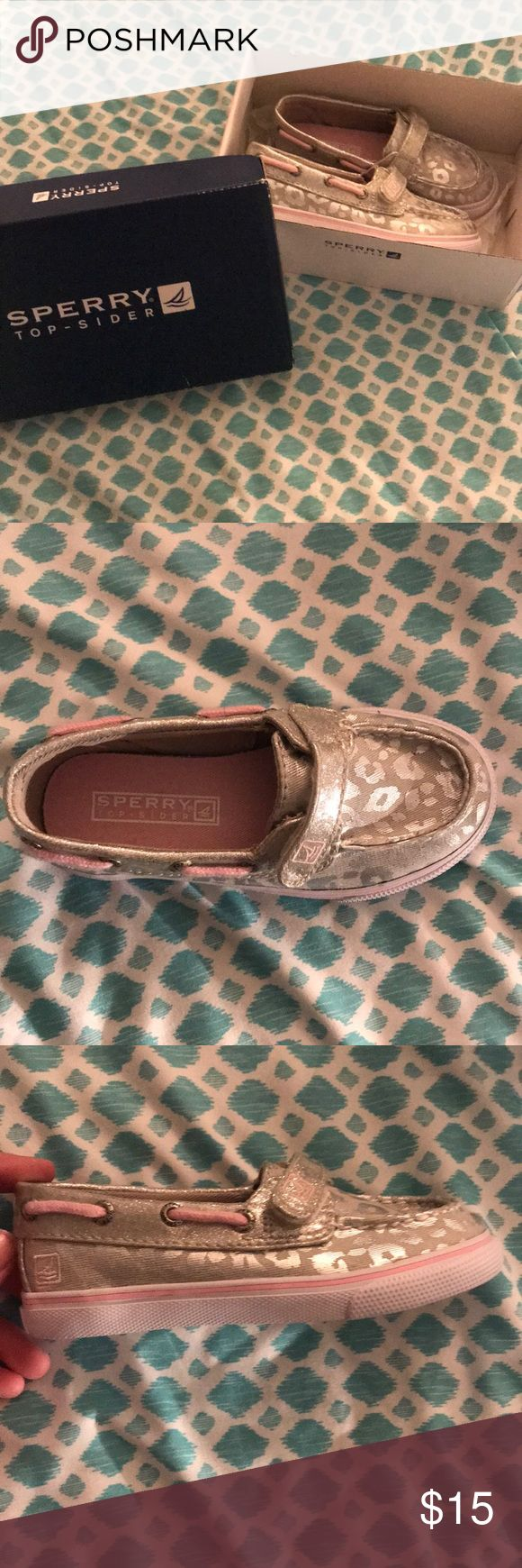 Sperry's for girls Cute cheetah print velcro Sperrys for any little girl casual or dressy. Perfect for anyone💗 NEVER WORN! Come in box Sperry Top-Sider Shoes Dress Shoes