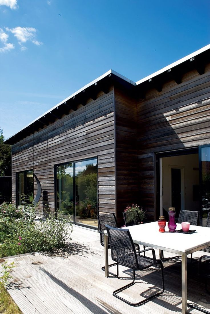 Forvandlingen fra et lille, gult parcelhus til en rummelig, moderne familievilla var bestemt ikke uden problemer for Astrid og Peter Ravbjerg.