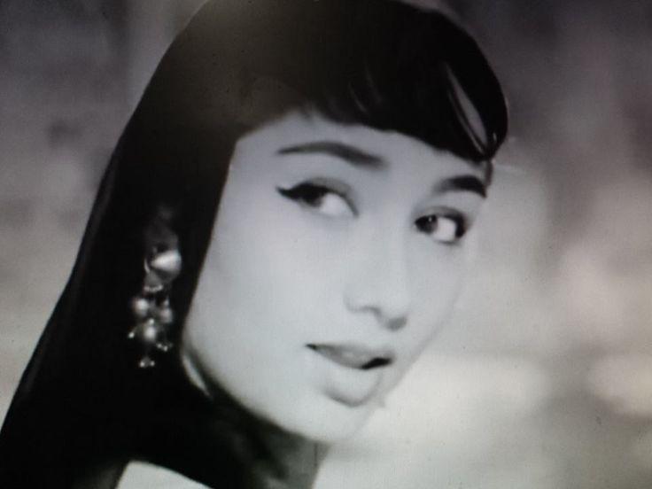 Sadhana : movie : Ek Musafir ek Hasina