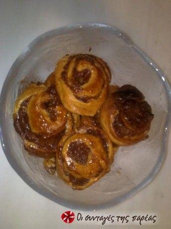 Πολύ ωραία αφράτα ψωμάκια για πρωινό ή απογευματινό.