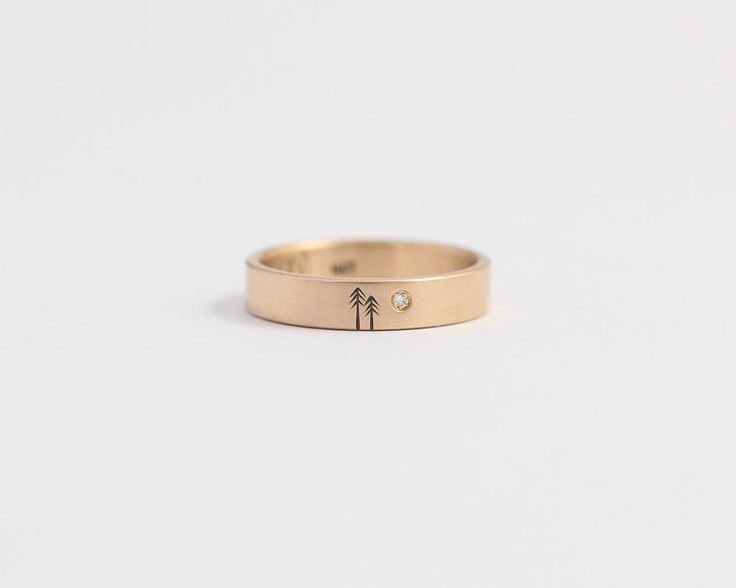 Pine Tree Ring with Single Diamond in Yellow Gold - Medium