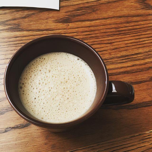 2017.04.18 #完全無欠コーヒー お昼は昨夜の残りスープ . ■昨夜の夜ごはん 鶏肉三点盛り(塩茹でレバー、ぼんじり、せせり) レバーの茹で汁スープ(キャベツ、ミニトマト) . レバーは塩茹での方が子どもたちは食べやすいみたい。 . 最近夜ごはんのあと、ソファーに座ると寝落ちしてる( ;∀;) 今日こそはw . #MEC食 #糖質OFF #糖質オフ #糖質制限ダイエット #糖質制限 #糖質セイゲニスト #低糖質 #KK30 #肉 #たまご#健康 #食べて痩せる #health #ローカーボ #ロカボ #ケトジェニック #ケトン体 #lowcarb #keto #lchf  #断糖 #グルテンフリー #カンムケ