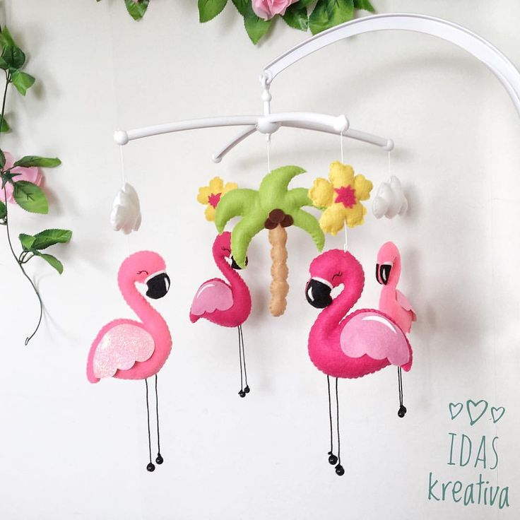 You can now find the cute stroller decorations in the webshop💖 Tomorrow I will list this magnificent Flamingo mobile, one of a kind! 🤗 . . . #idaskreativa #mobil #mobile #spjälsäng #spjälsängsmobil #sängmobil #babymobil #babymobile #nurserymobile #crib #cribdecoration #cribmobile #flamingo #barnrum #barnerom #kinderzimmer #kidsroom #børneværelse