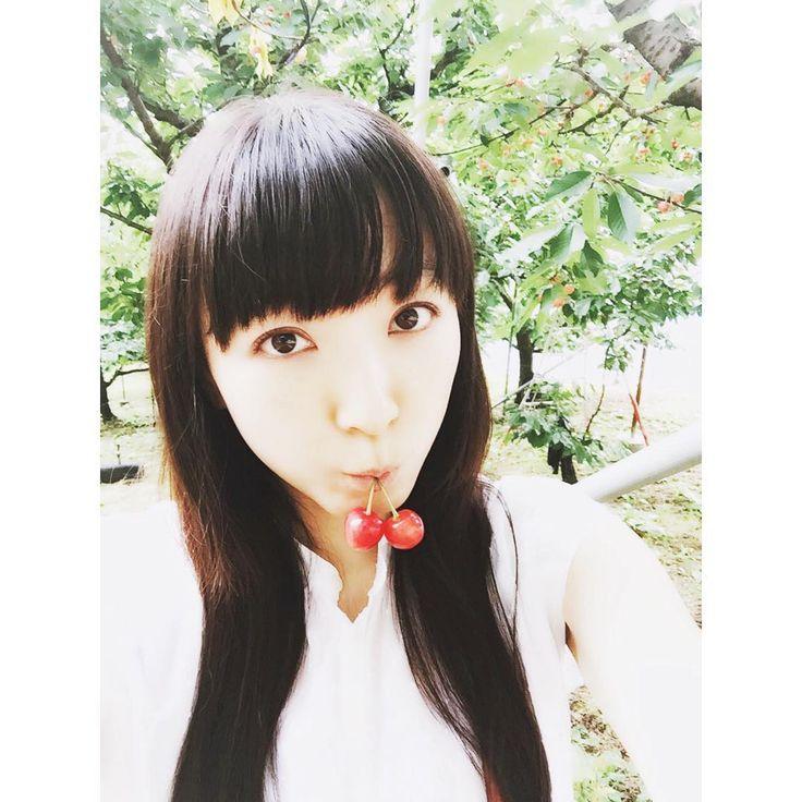 いいね!678件、コメント26件 ― 堀江由衣さん(@yuihorie_official)のInstagramアカウント: 「彼女がめちゃめちゃサクランボ食べてる! …に使っていいよ(笑)  さくらんぼ狩りの時の写真です♪ 楽しかったし、美味しかったです♪」