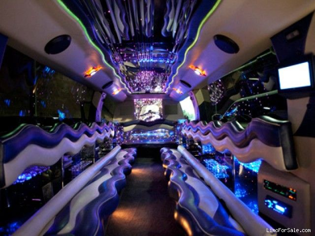 Used 2005 Land Rover Range Rover SUV Stretch Limo Great Lakes Coach - $37,995