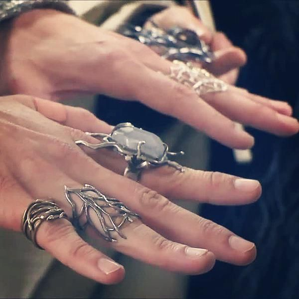 Hands of the Elvenking.  The Desolation of Smaug behind the scenes.  #ForeverRepinElvenHandPorn