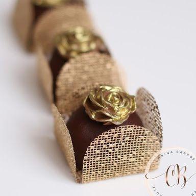 Resultado de imagem para forminha para doces finos dourada