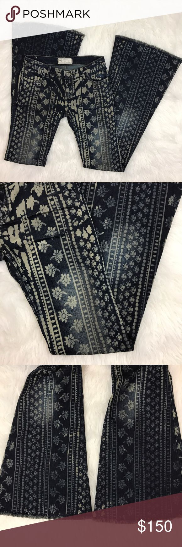 "Rare Free people Bali Flare Floral Festival Jean Have a gently used rare awesome festival print Free People Bali Flare pants. Dark wash, distressed, Floral abstract print. Boho. No flaws. Size 25  Waist: 27""  Inseam: 33"" Free People Jeans Flare & Wide Leg"