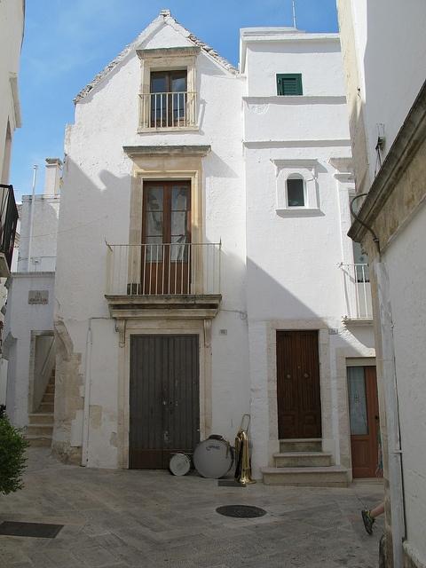 Puglia-594 by chasingbluebirds, via Flickr  locorotondo