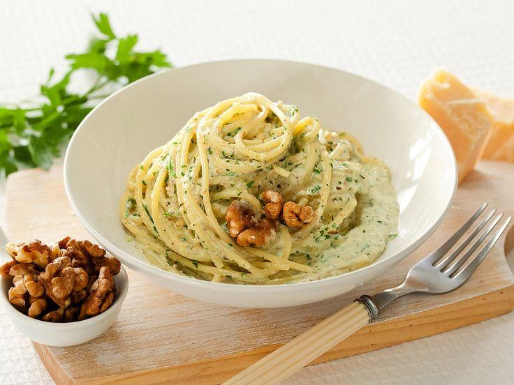 Рецепт: Спагетти в ореховом соусе в мультиварке