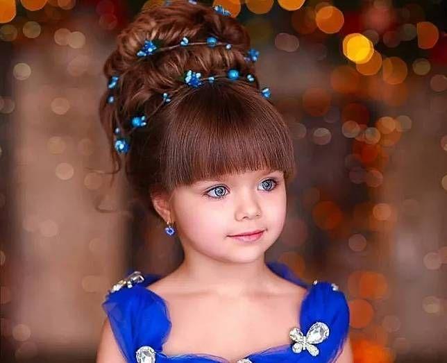 Dianggap Paling Cantik Sedunia, Anak Ini Jadi Viral, Matanya Indah Banget!