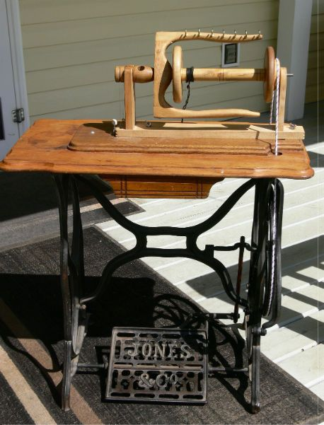 convert old sewing machine treadle to spinning wheel