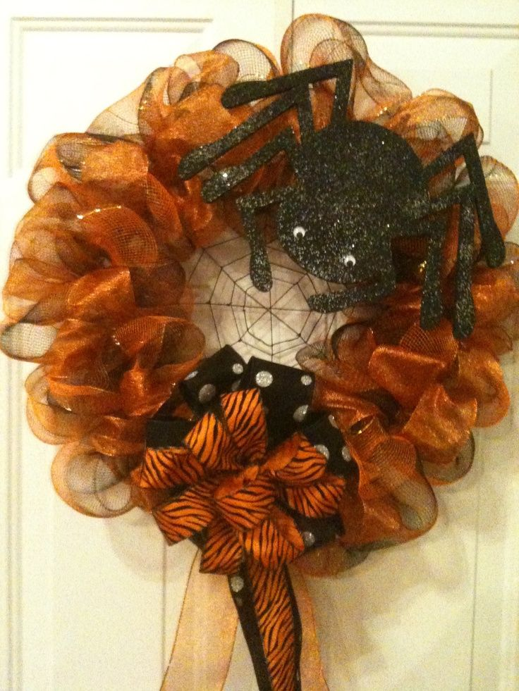 mesh wreaths | HALLOWEEN POLY DECO MESH WREATH | Wreaths