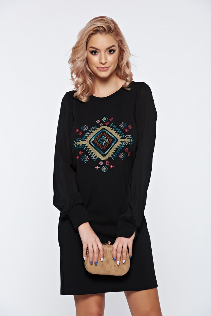 StarShinerS black embroidered dress with veil sleeves, back zipper fastening, veil sleeves, 3/4 sleeves, embroidery details