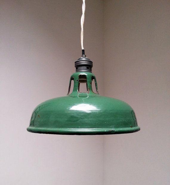 Bellissima Lampada industriale originale inglese verde di NosesLab