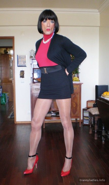 Legendary legs and figure - yes, that's just one of great features of Karen.  See more photos at https://www.trannyladies.info/en/karenmar