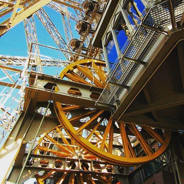 🇫🇷 Inside the Eiffel Tower 😍👌🏼 #beautiful #melbournelifelovetravel #view #paris #picturesque #eiffeltower #toureiffel #parisview #visitparis #france #insideeiffeltower #architecture