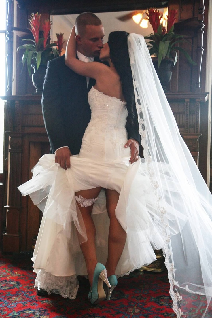 Sexy Wedding Garter Pose While Kissing 3