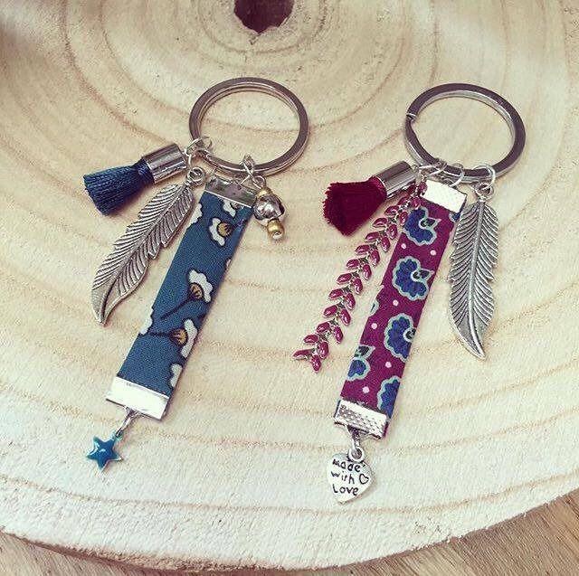 Porte-clés tendance avec accessoires et tissus motifs : Porte clés par lespetitesnouvelles
