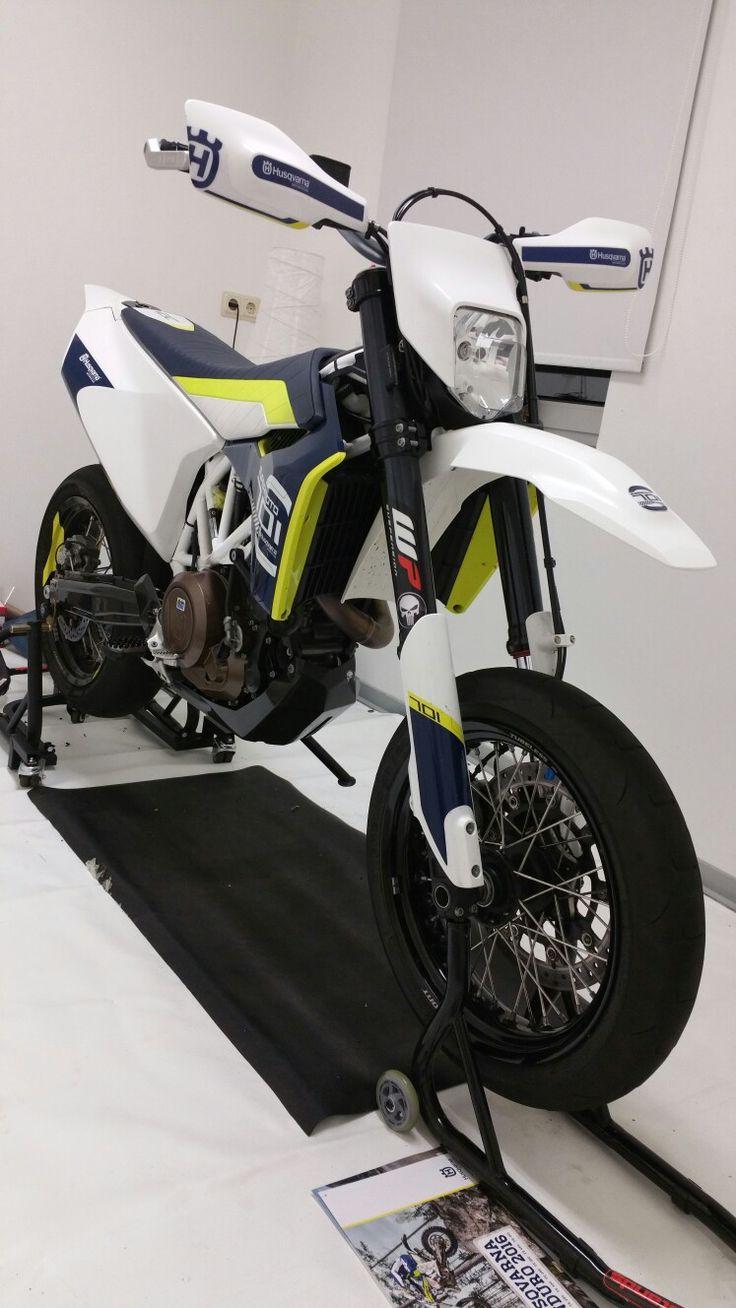 Supermoto ktm 690 stunt concept bikemotorcycletuned car tuning car - 701 Sculpturetrailcarsmotorcycles