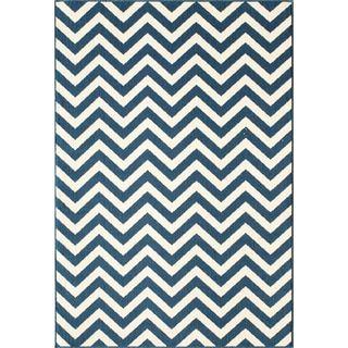 Indoor/Outdoor Navy Chevron Rug (6'7 x 9'6) | Overstock.com Shopping - The Best Deals on 5x8 - 6x9 Rugs