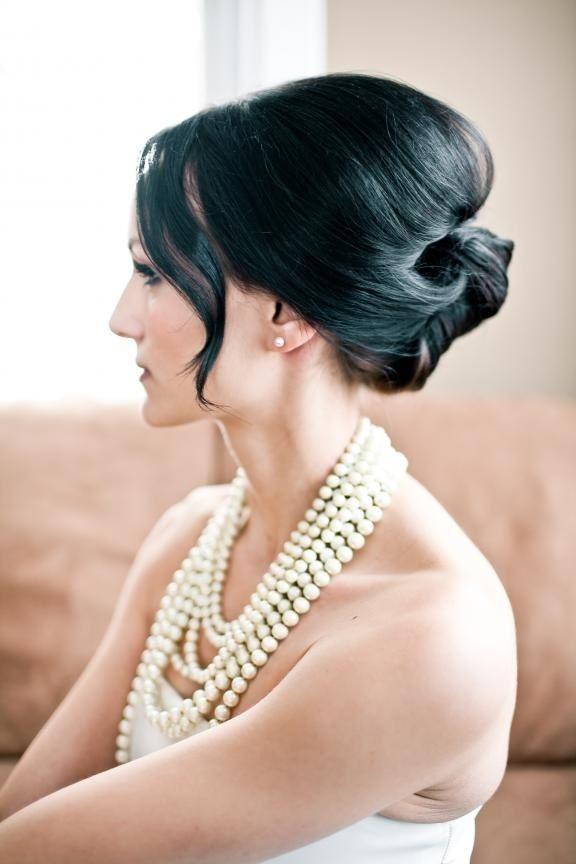 エキゾチックな黒髪。マーメイドドレス・スレンダードレスにオススメのロングヘアさんの髪型・夜会巻きの参考一覧❤