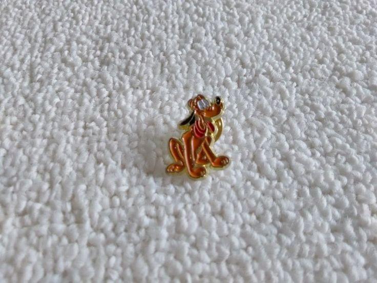 Vintage France/French Pluto Disney pin badge