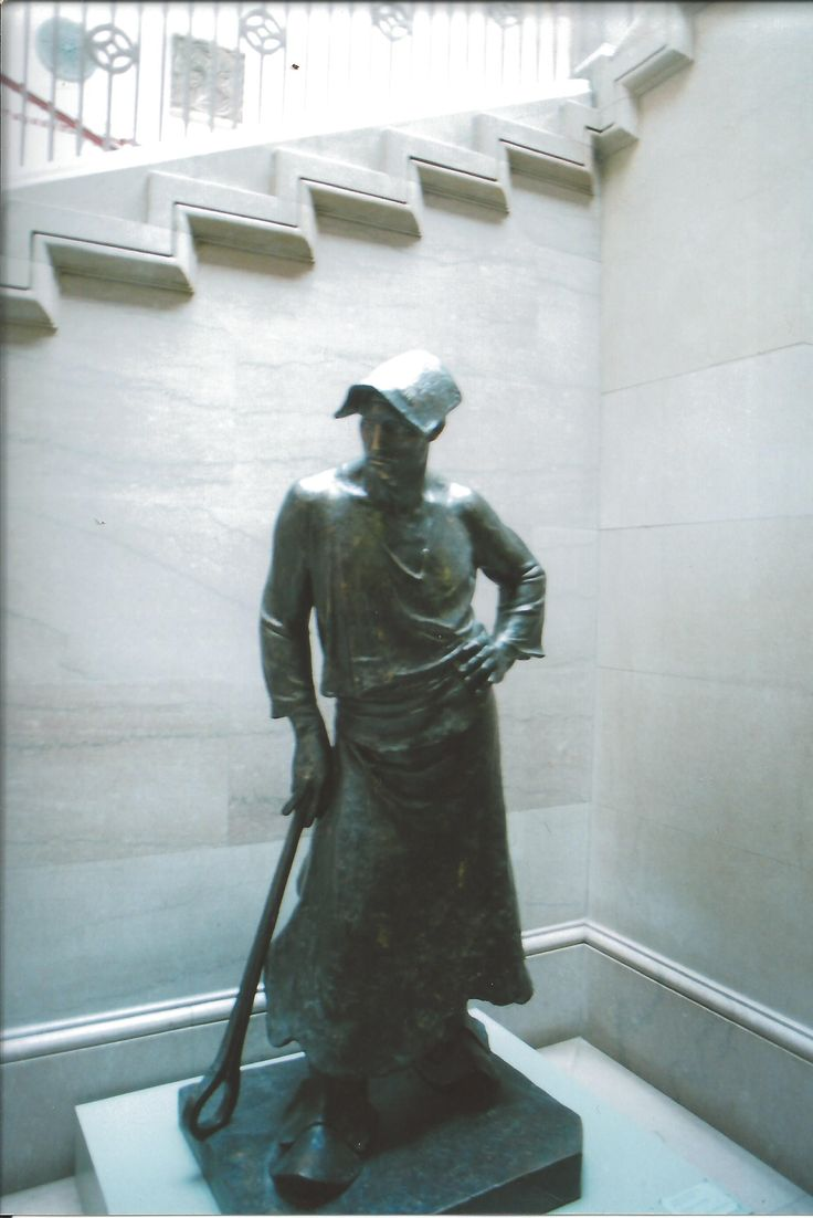 Statue of an Iron Worker in Chicago Museum of Natural History