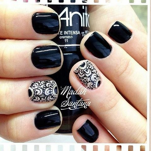 Lace pattern is a good option if you r attending a wedding banquet.  @madahsantana  #weddingnails #lacenails #becreativewithmanis