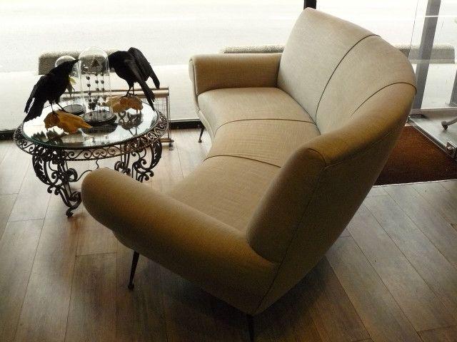 les 25 meilleures id es de la cat gorie canap arrondi sur. Black Bedroom Furniture Sets. Home Design Ideas