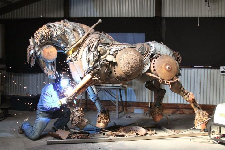De Ferro Velho A Esculturas De Animais Incríveis A ª - Artist creates incredible sculptures welding together old farming equipment