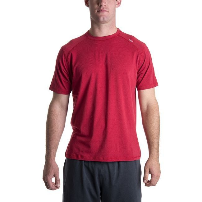 Gentlemen, don't you just love those workout t-shirts that you want to wear again and again? This is one of them; we guarantee it will be on frequent wardrobe rotation.