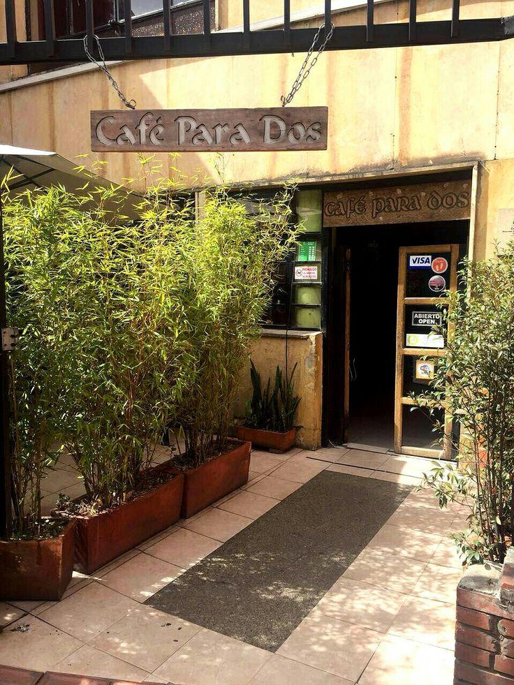 ¿Qué tal compartir un delicioso café en La Candelaria para este frío bogotano?  Visita:   www.encontrastelacandelaria.com  Fotografía tomada por: Nohelia Martínez Díaz