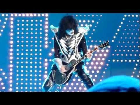 KISS - Shock Me [HD] LIVE - YouTube   KISS Favorite Videos   Pinter ...