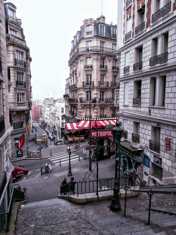 These Pretty Paris Streets Are Unreal: 15 Roads in Paris You Must Visit!