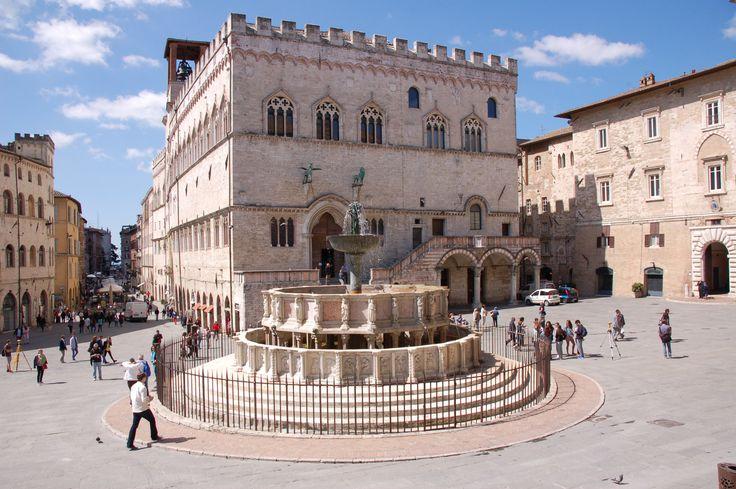 Perugia: Piazza IV Novembre, Palazzo dei Priori, Fontana Maggiore