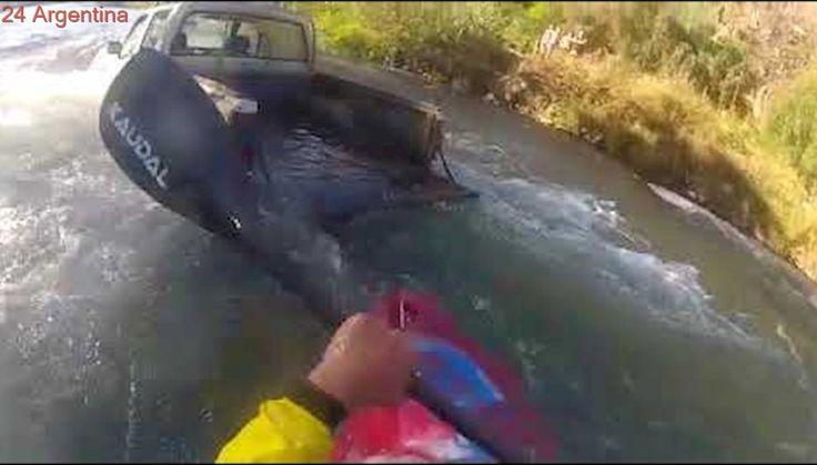 Camioneta Chevrolet LUV en el Río Atuel