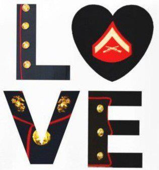 makes me feel super moto for liking this, but it's cute! Marine Corps love (with a corporal insignia though ;P