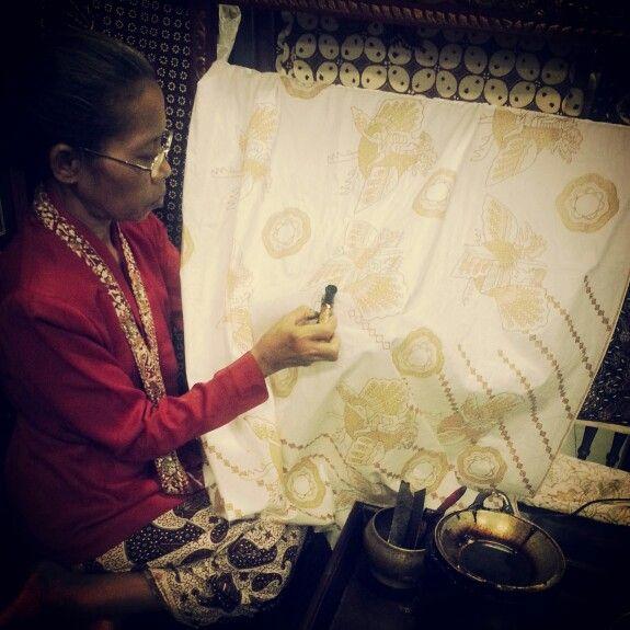 ...batik...